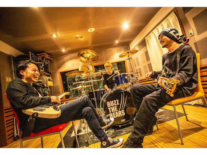BUZZ THE BEARS「MASSIVE」INTERVIEW!!